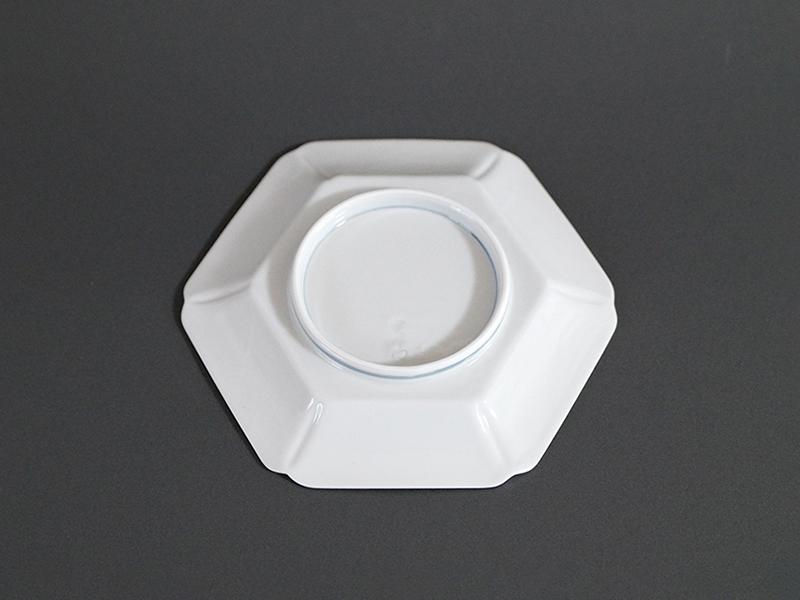 21908-132 古代釉染付鶴絵六角皿 size 16.5×18×2.6cm