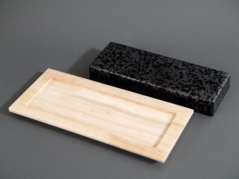 22001-551 ウロコ21cm長角ストーン size 7.5×21.0×3.0cm / CIG008 長方トレー size 11.5×25.5×1.5cm