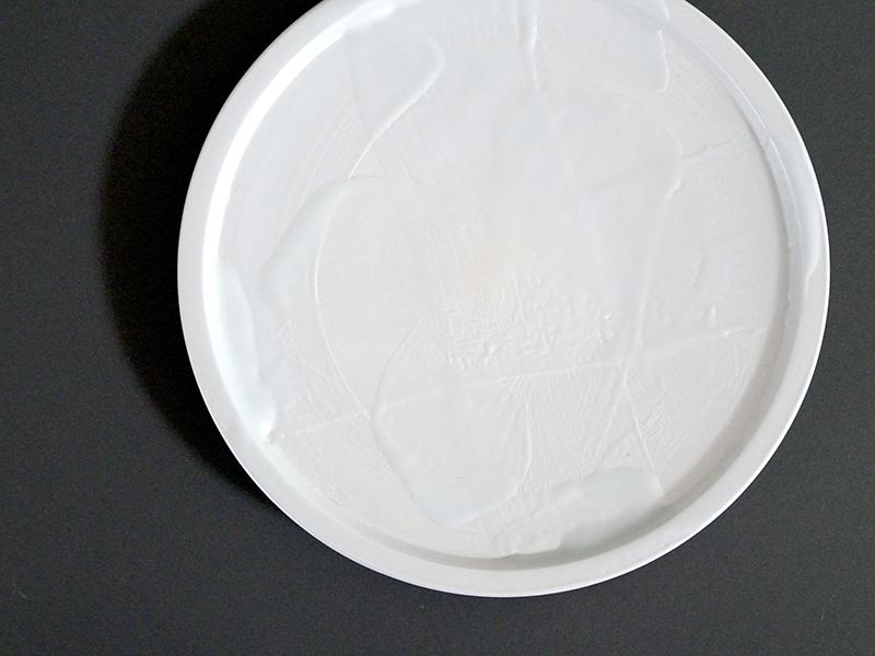 CRS042A 雲母銀叩φ165伊万里皿 size φ16.5×2.1cm / CRS043A 雲母銀叩φ210伊万里皿 size φ21.0×2.6cm